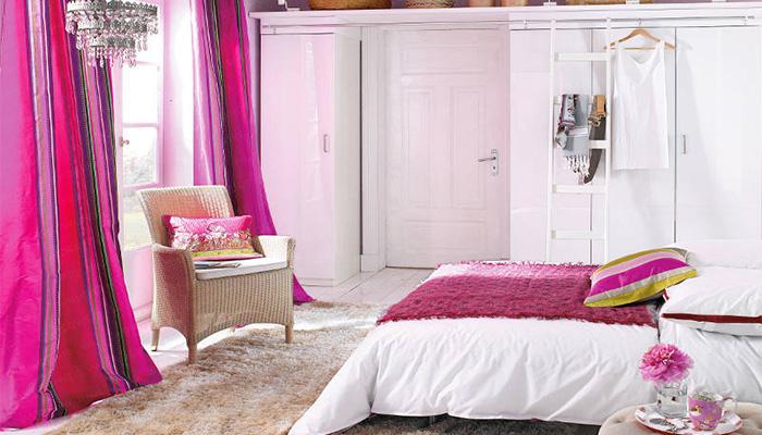 контрастные шторы для спальни