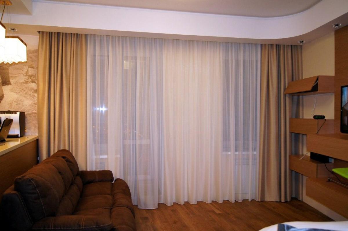 человек, шторы для комнаты с низкими потолками фото международного конкурса