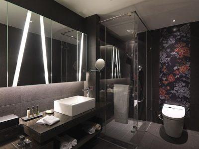 потолок в маленькой ванной (13)