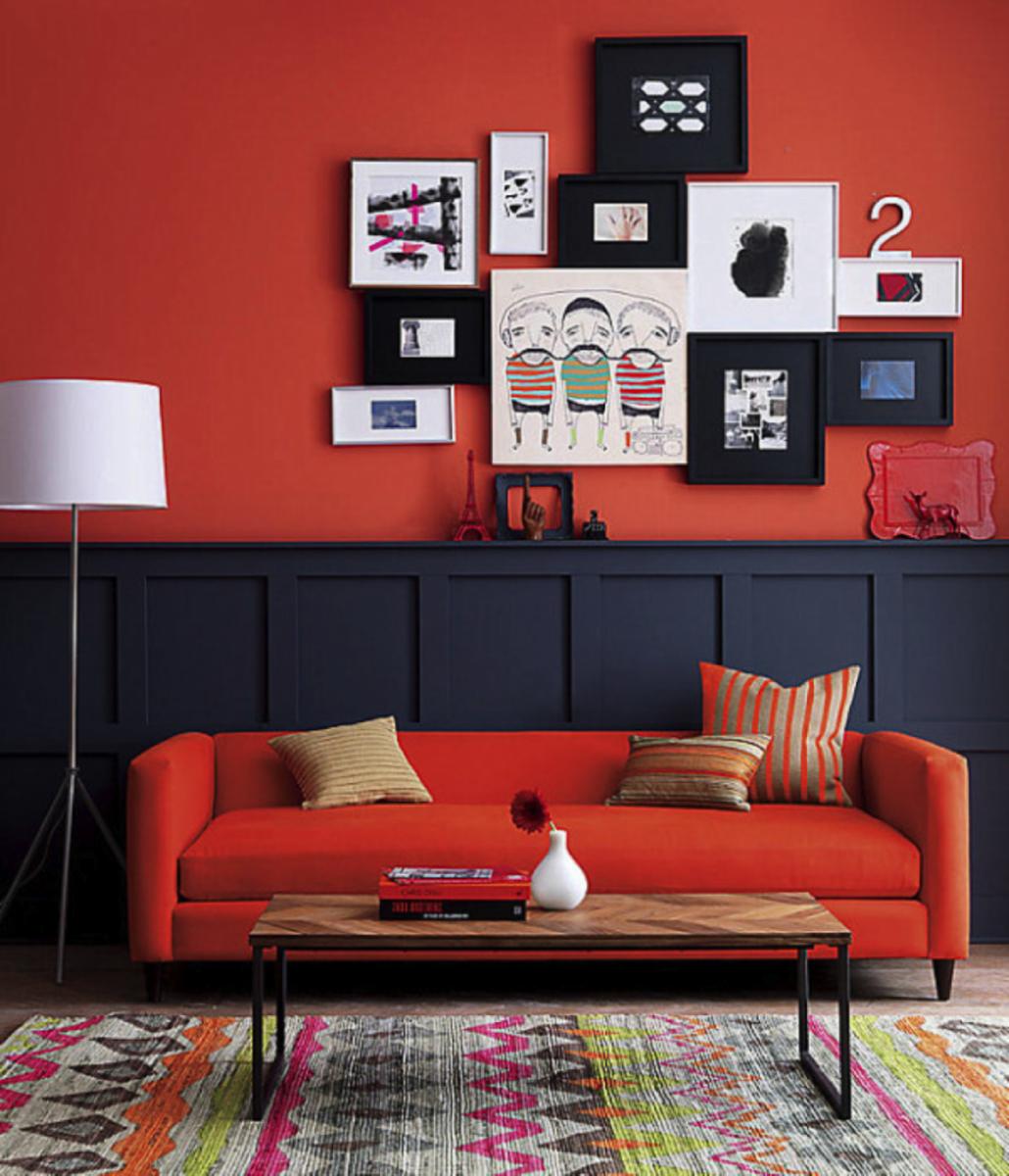 постеры в интерьере цвет