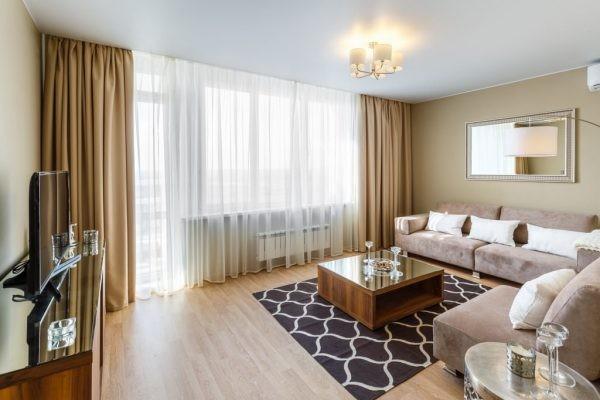 Выбор штор для гостиной: тенденции 2019