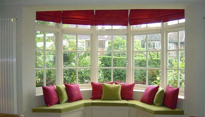 Римская штора в комнате отдыха
