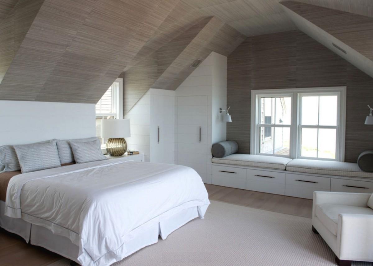 Дизайн комнат со скошенными потолками 925